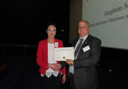 Poster prize winner Dr Aleksandra Glowacka (Institute of Biochemistry and Biophysics of the Polish Academy of Sciences, Warsaw, Poland) and Dr Stephen Mortlock (O2 Solutions, London, UK)
