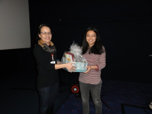 Dr Annika Gillis (Université Catholique de Louvain, Belgium)with feedback prize winner Ms Bihe Chen (University of Cambridge, UK)