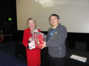 Feedback prize winner Dr M Julie Thornton (University of Bradford, UK)) and Dr Zhi-Ren Liu (Georgia State University, USA)
