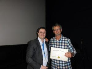 Dr Ricardo Jorge Paixao Jose (University College, London, UK) with poster prize winner Mr. Hans-Peter Hutter (Medical University Vienna, Austria)