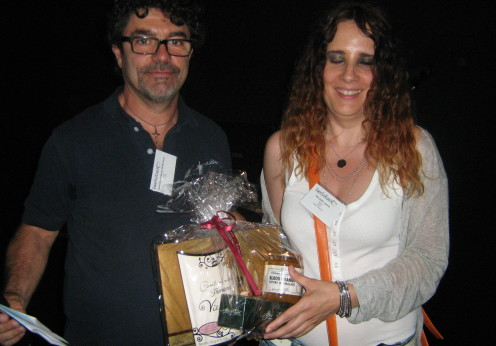 Associate Professor Guido Favia (University of Camarino, Italy) with Feedback prizewinner Mrs Sonia Lozano